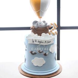 Ellie hot air balloon cake for kids in dubai