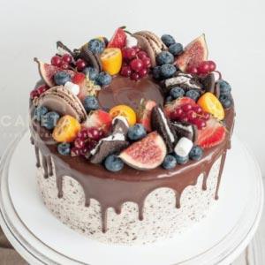 Fresh Fruits Cake | Fruit & macaroon crumble cake in dubai, UAE